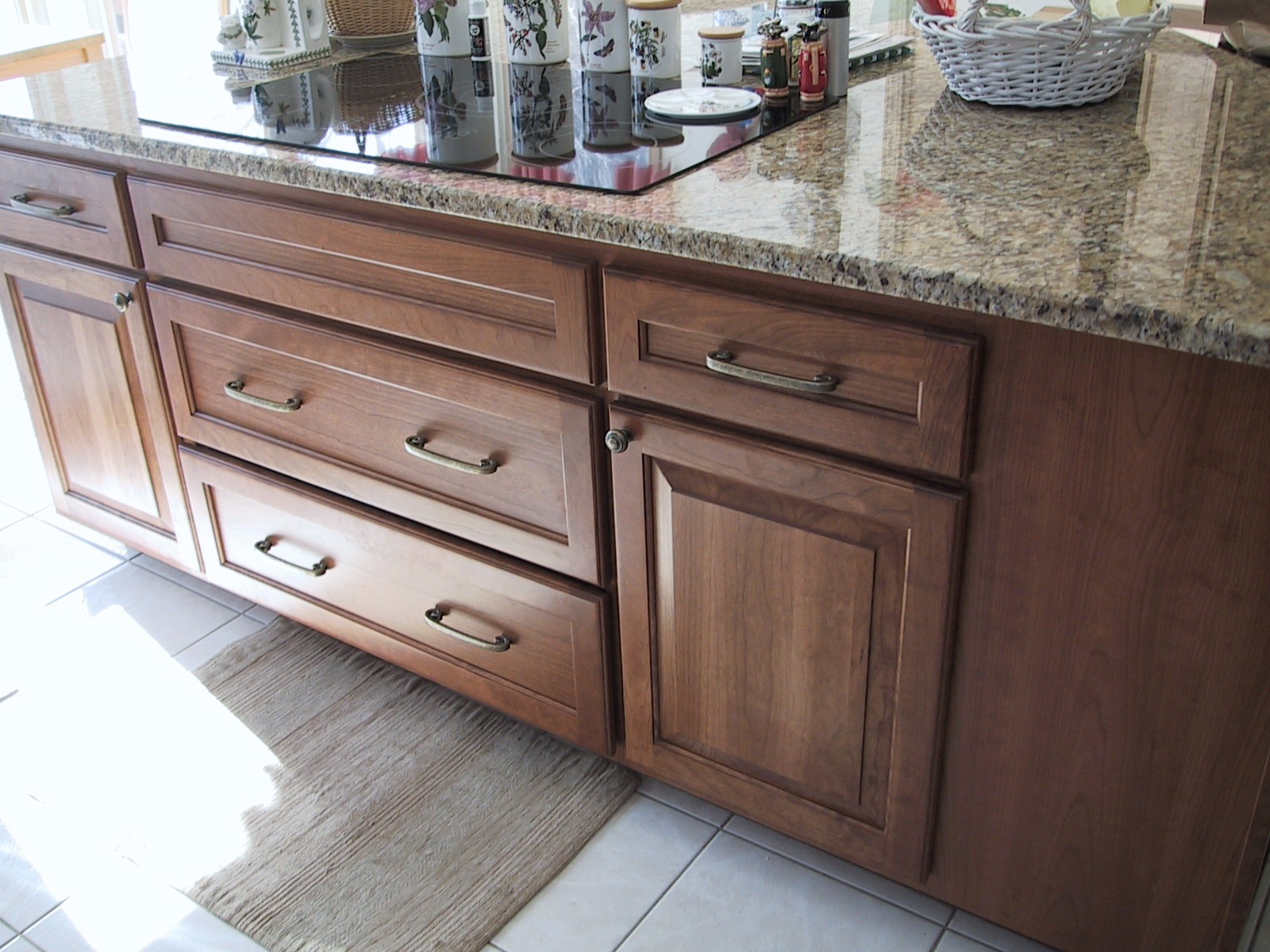 Is Refacing Kitchen Cabinets Worth It Replace The Cabinets And Keep The Granite Countertops